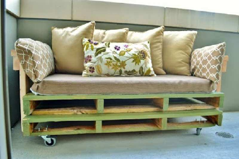 a-pallet-sofa-plans-and-instructions-to-build-it