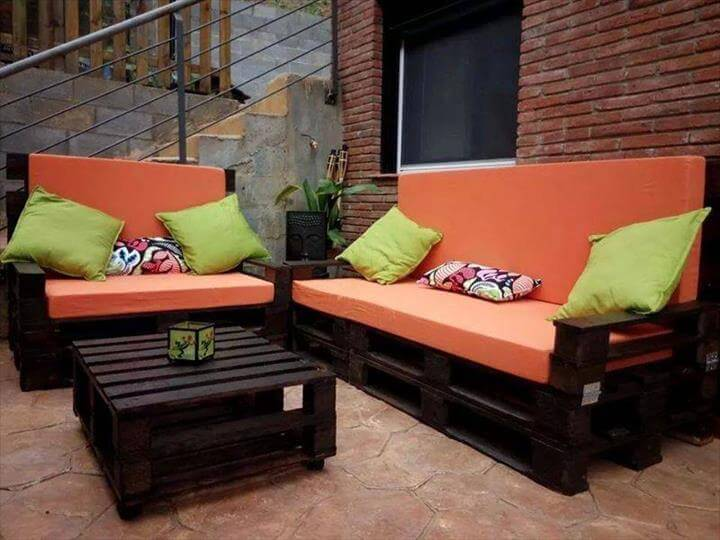 oranged-cushioned-black-pallet-sofa