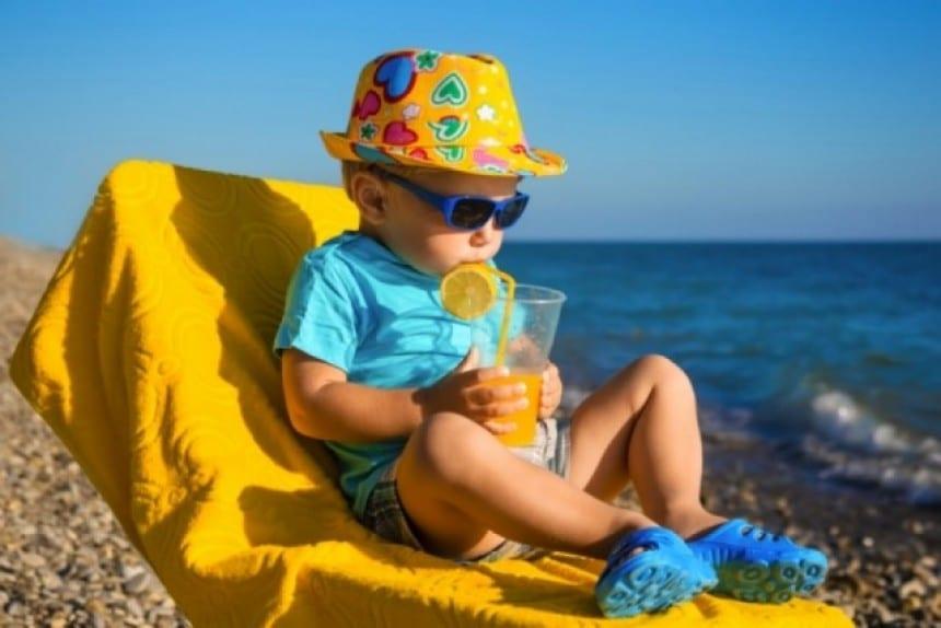 Οδηγίες προστασίας από τη ζέστη για μικρούς και μεγάλους
