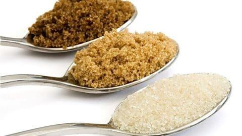 Δημήτρης Κουρέτας: Γιατί η καστανή ζάχαρη δεν είναι υγιεινή