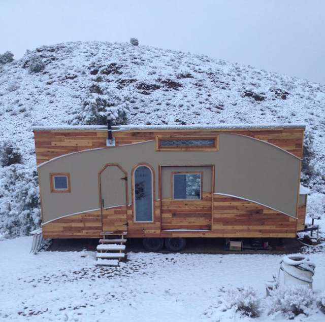 kevins-tiny-house-1-640x635
