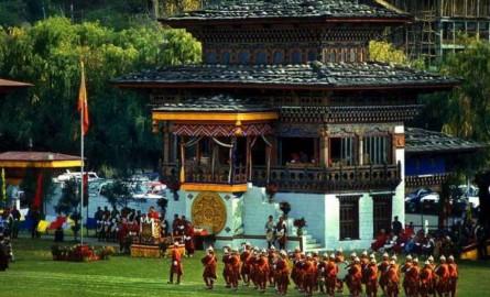 Bhutan_archery-612x382-2zjr2wbtxxh9cyjvhqa3uy